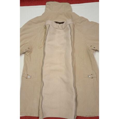 Használt drapp háton hordozós kabát, M méret